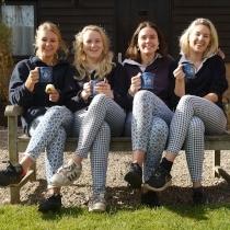 4 Girls
